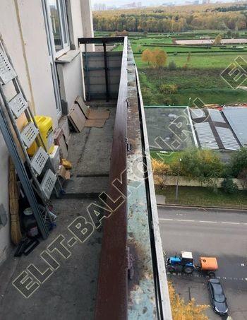 Укрепление ограждения балкона металлическими стойками. Вынос внутрь балкона. Северное Чертаново д. 5б