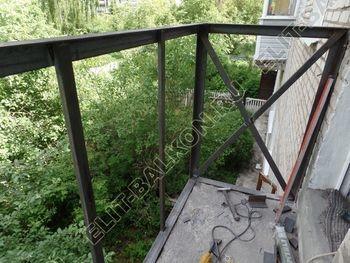 ukreplenie balkona vneshnjaja otdelka montazh novoj kryshi 14 387x291 - Фото остекления балкона № 59