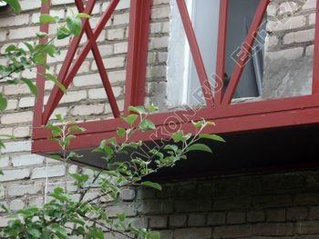ukreplenie balkona vneshnjaja otdelka montazh novoj kryshi 16 387x291 - Фото остекления балкона № 59