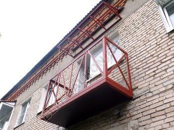 ukreplenie balkona vneshnjaja otdelka montazh novoj kryshi 18 387x291 - Фото остекления балкона № 59