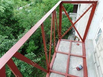 ukreplenie balkona vneshnjaja otdelka montazh novoj kryshi 20 387x291 - Фото остекления балкона № 59