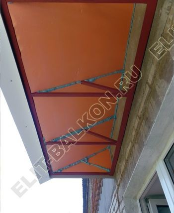 ukreplenie balkona vneshnjaja otdelka montazh novoj kryshi 31 387x291 - Фото остекления балкона № 59
