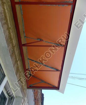 ukreplenie balkona vneshnjaja otdelka montazh novoj kryshi 32 387x291 - Фото остекления балкона № 59