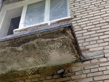 ukreplenie balkona vneshnjaja otdelka montazh novoj kryshi 7 387x291 - Фото остекления балкона № 59