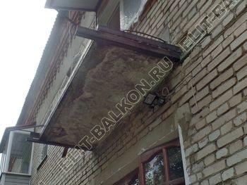 ukreplenie balkona vneshnjaja otdelka montazh novoj kryshi 8 387x291 - Фото остекления балкона № 59