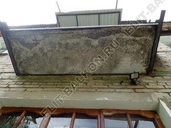 ukreplenie balkona vneshnjaja otdelka montazh novoj kryshi 9 387x291 - Фото остекления балкона № 59