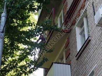 ukreplenie balkonnoj plity montazh novogo parapeta s vynosom 1 387x291 - Укрепление балконной плиты и парапета. Фото одного балкона. Каширское шоссе, дом 50