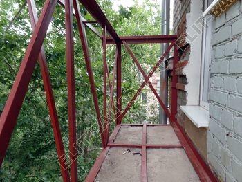 ukreplenie balkonnoj plity montazh novogo parapeta s vynosom 4 387x291 - Укрепление балконной плиты и парапета. Фото одного балкона. Каширское шоссе, дом 50