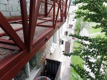 Укрепление балконной плиты и парапета. Фото одного балкона. Каширское шоссе, дом 50