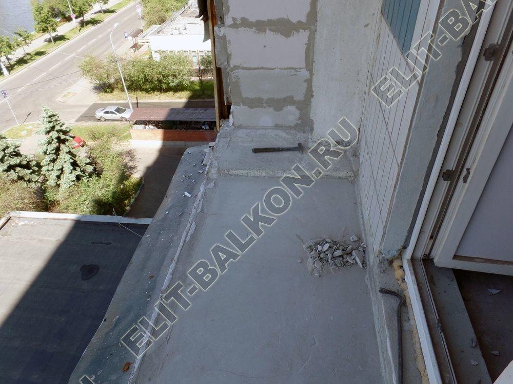 osteklenie lodzhii PVH montazh novogo parapeta 1 - Демонтаж балкона и лоджии