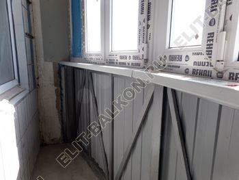 osteklenie lodzhii PVH montazh novogo parapeta 15 387x291 - Фото остекления балкона № 63
