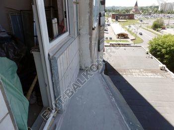 osteklenie lodzhii PVH montazh novogo parapeta 3 387x291 - Фото остекления балкона № 63