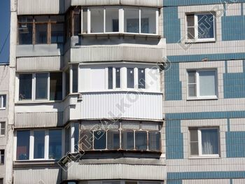 osteklenie lodzhii PVH montazh novogo parapeta 5 387x291 - Фото остекления балкона № 63