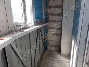 osteklenie lodzhii PVH montazh novogo parapeta 7 387x291 - Фото остекления балкона № 63