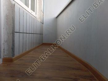 osteklenie lodzhii s vynosom aljuminiem vnutrennjaja otdelka 15 387x291 - Фото остекления балкона № 61