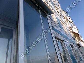 osteklenie lodzhii s vynosom aljuminiem vnutrennjaja otdelka 4 387x291 - Фото остекления балкона № 61