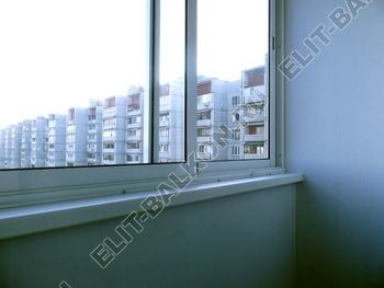 osteklenie lodzhii s vynosom aljuminiem vnutrennjaja otdelka 9 387x291 - Фото остекления балкона № 61