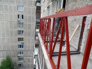 ukreplenie balkona vneshnjaja otdelka balkona 17 387x291 - Фото остекления балкона № 65