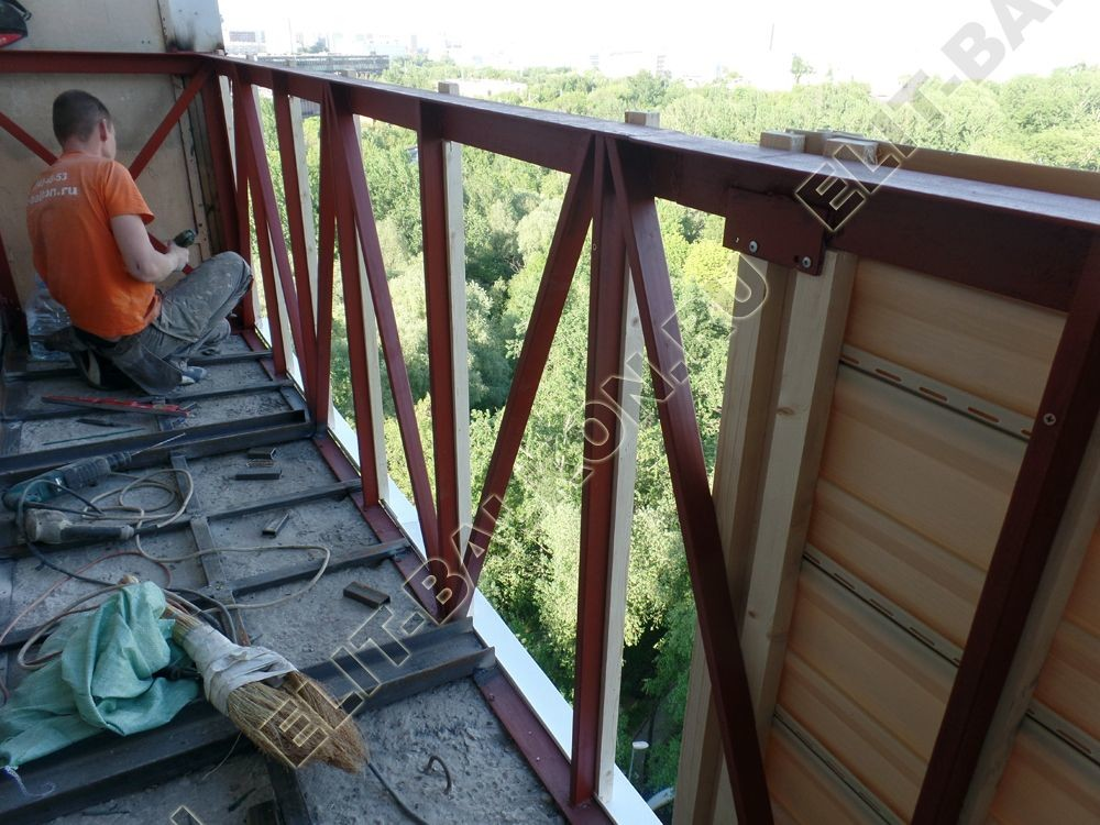 ukreplenie balkona vneshnjaja otdelka balkona 28 - Монтаж окон