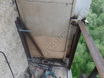 ukreplenie balkona vneshnjaja otdelka balkona 4 387x291 - Фото остекления балкона № 65