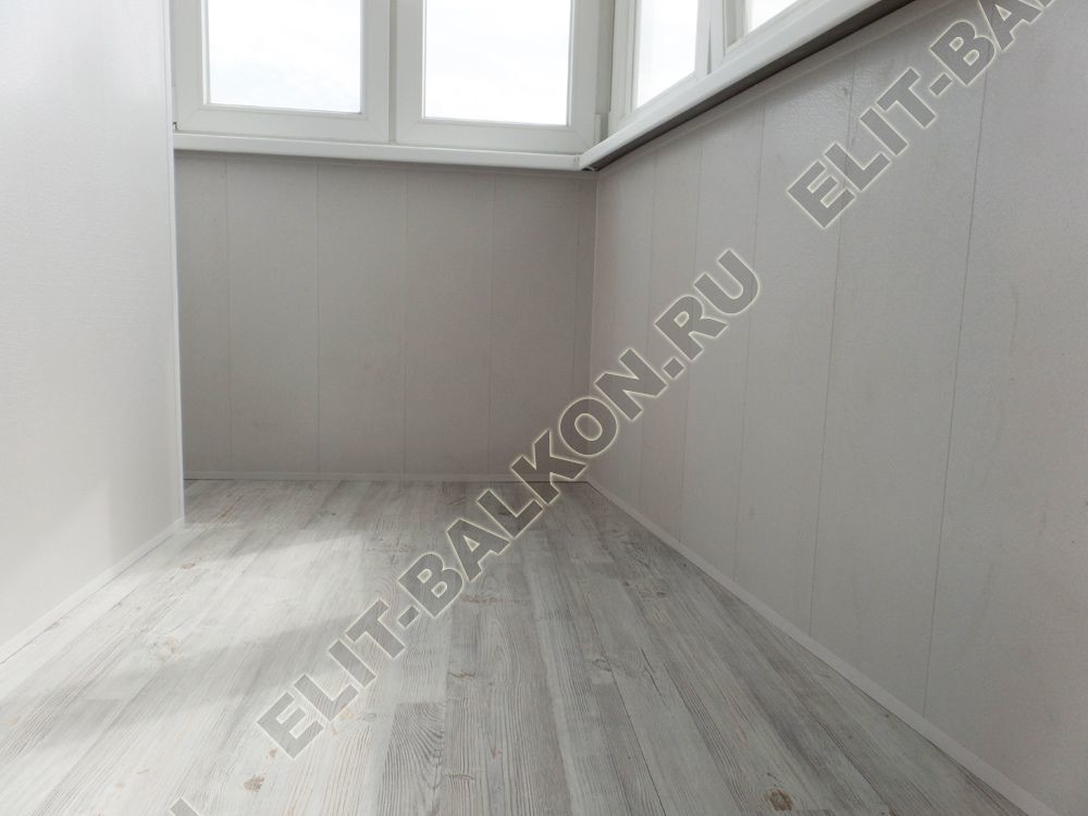 vnutrennjaja otdelka lodzhii s elektrikoj 9 - Отделка балкона стеновыми панелями МДФ