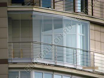 bezramnoe osteklenie balkona ZhK mahaon 1 387x291 - Безрамное остекление балконов