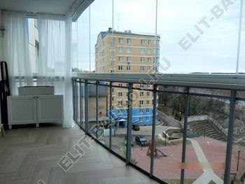 bezramnoe osteklenie balkona Zhemchuzhina ZhK Parus 4 387x291 - Безрамное остекление балконов