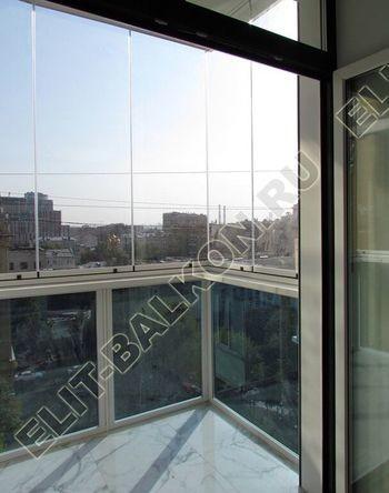 bezramnoe osteklenie balkona novinskij bulvar 2 387x291 - Безрамное остекление балконов