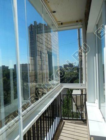 bezramnoe osteklenie balkona v stalinskom dome 1 387x291 - Безрамное остекление балконов