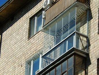 bezramnoe osteklenie balkona v stalinskom dome 2 387x291 - Безрамное остекление балконов