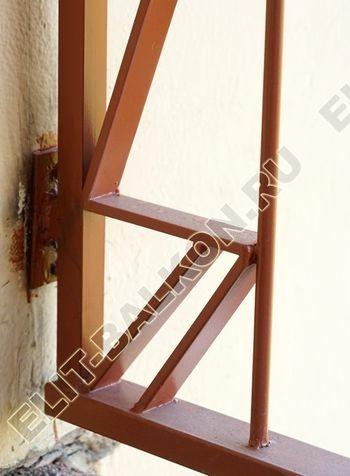 kovannyj parapet na balkone 5 387x291 - Фото кованного парапета балкона № 80