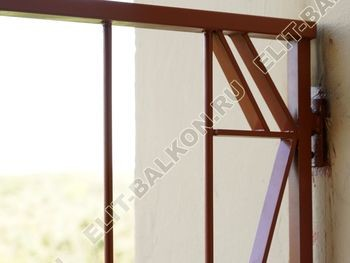 kovannyj parapet na balkone 8 387x291 - Фото кованного парапета балкона № 80