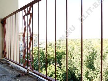 kovannyj parapet na balkone 9 387x291 - Фото кованного парапета балкона № 80